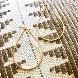 Teardrop Earrings 💧
